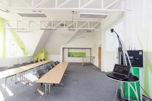 (Čeština) Školící místnost
